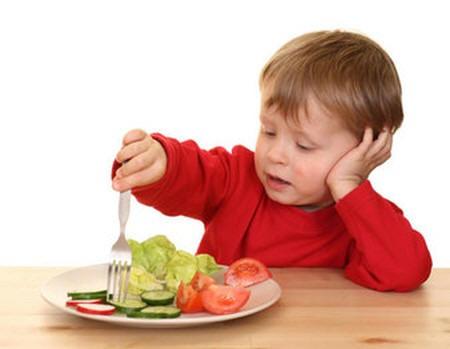 alimentacion-en-los-bebes-de-un-ano_r97gi