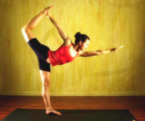 Ejercicios de yoga para tener las piernas más largas