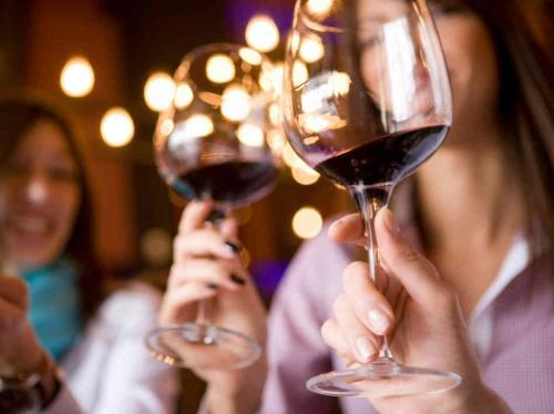 El alcohol no es buen amigo de los huesos