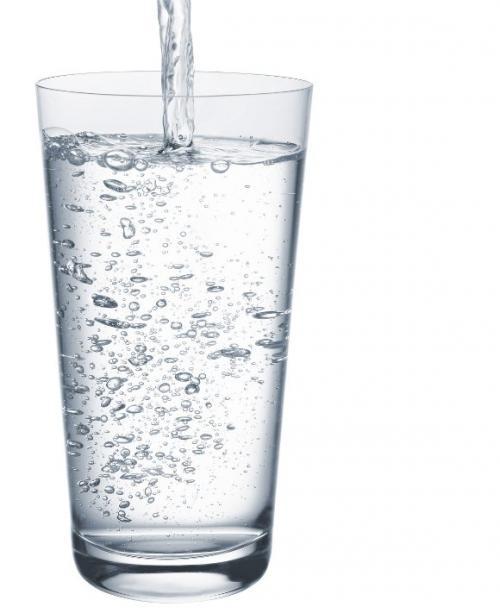 Las bondades del agua con gas