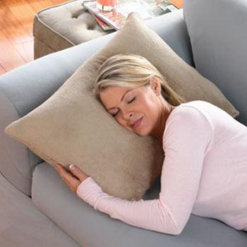 No dormir lo suficiente puede causar riesgo de obesidad