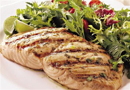 Razones por las que debes comer pescado y mariscos