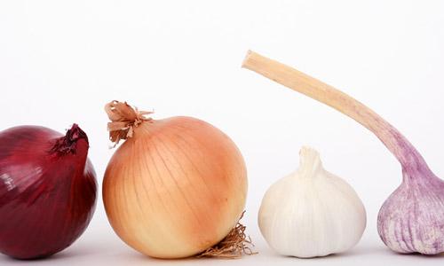 Top 6: alimentos que causan mal olor